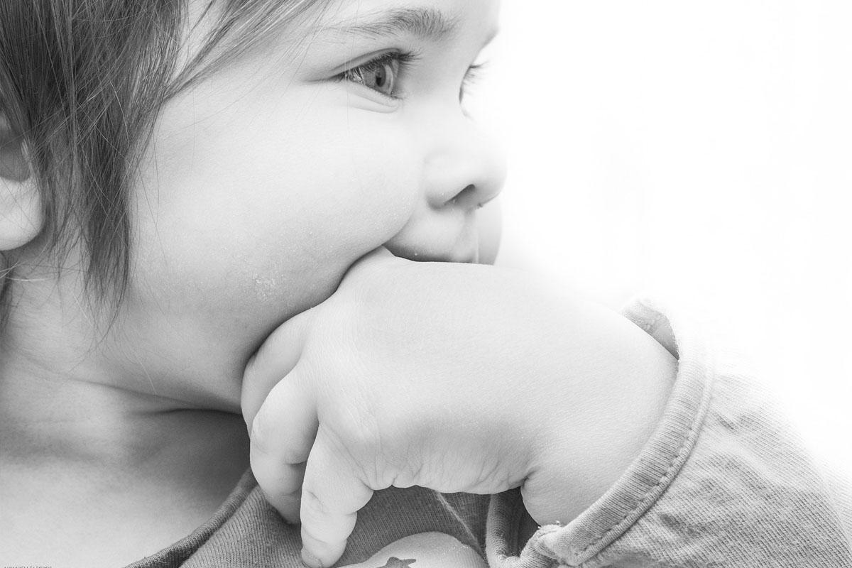Stillen gegen Zahnungsschmerzen - Muttermilch schmerzlindernd - Mama Blog München