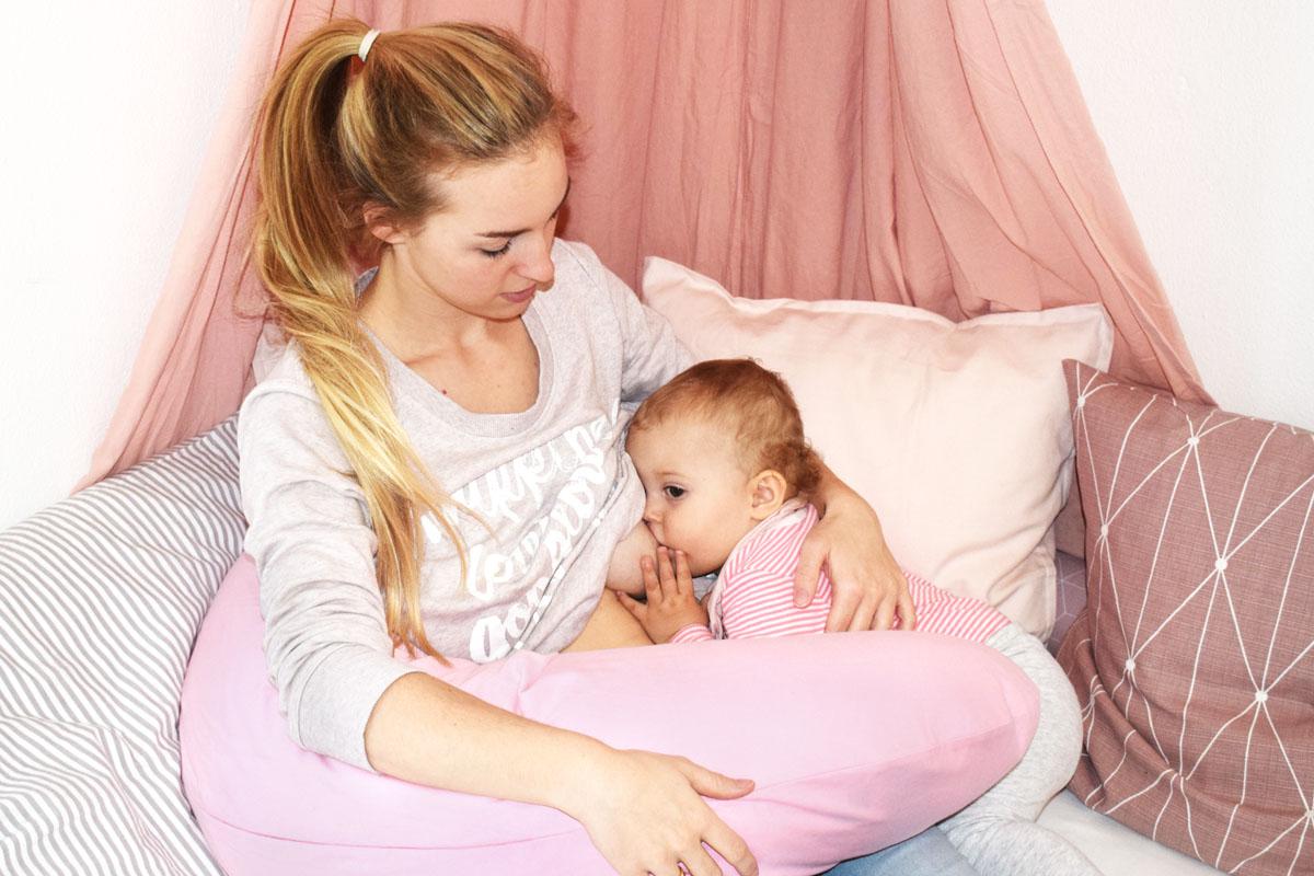 Zurück in den Job - ich stille trotzdem weiter - Stillbeziehung - Langzeitstillen - Stillen nach Elternzeit - Mama Blog München