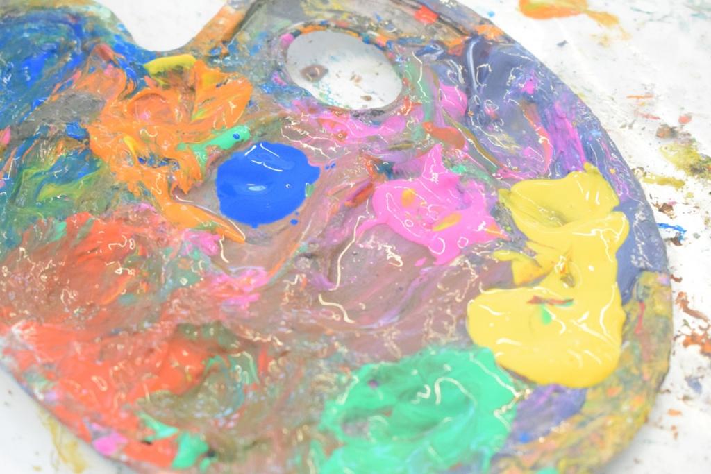 Kinderkunsthaus München Schwabing - Kreativwerkstatt - Ausflüge mit Kind - Farbpalette - malen basteln diy - Mama Blog München