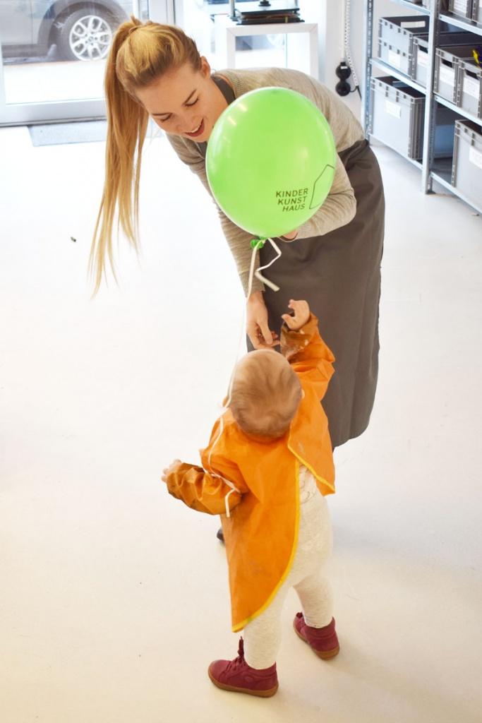 Kinderkunsthaus München Schwabing - Kreativwerkstatt - Ausflüge mit Kind - Mama Tochter - malen basteln diy - Mama Blog München