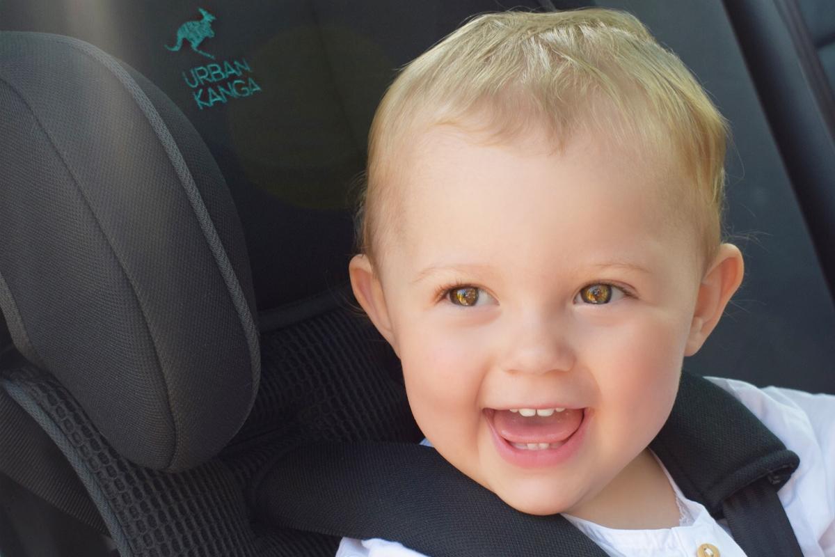 Urban Kanga - Faltbarer tragbarer Autositz für Kinder - Autokindersitz - Mama Blog München 2