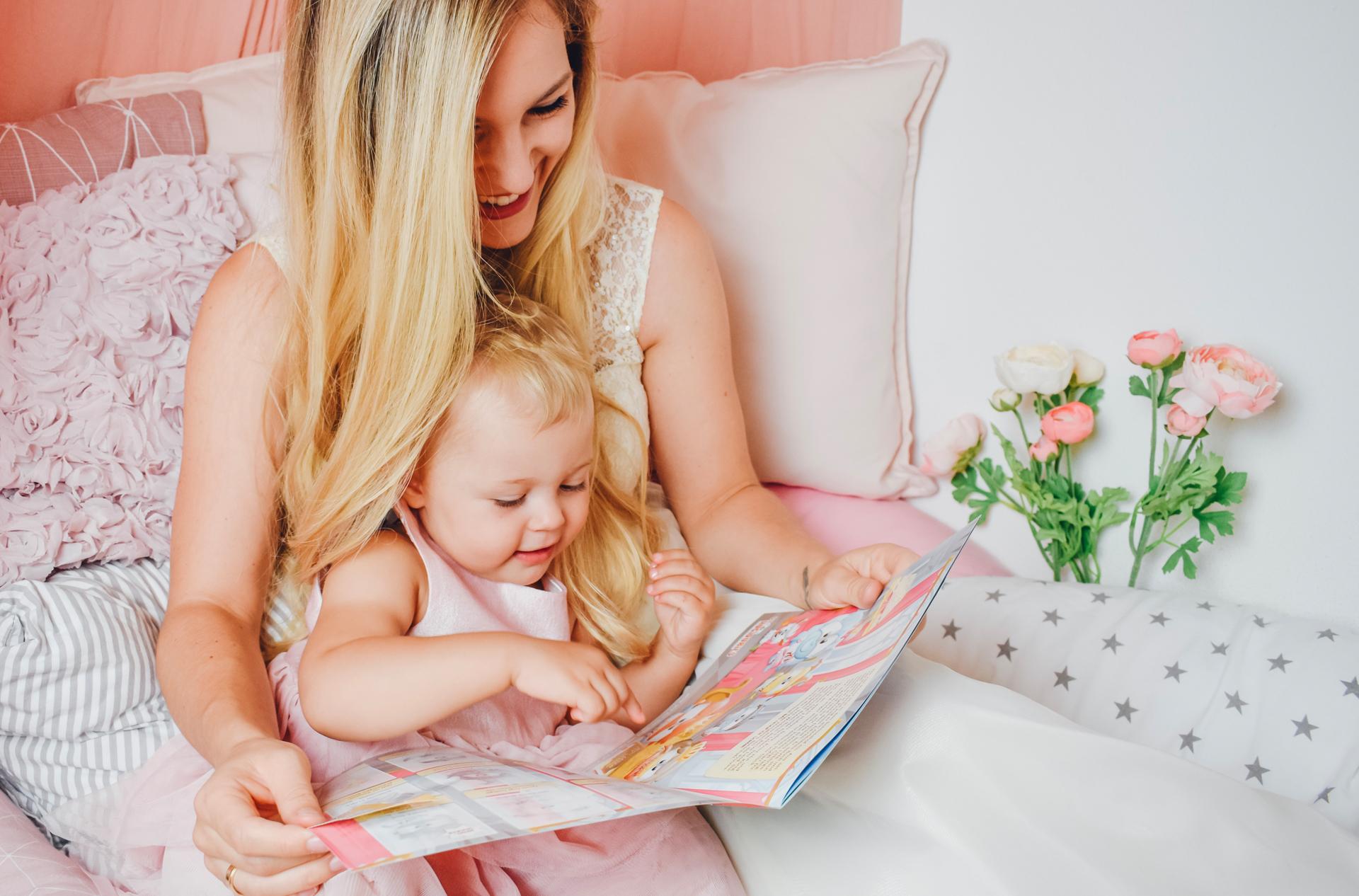 5 Tipps, wie ihr die Lese-Liebe eurer Kinder fördert inkl. gratis Stickeralbum von Hugendubel