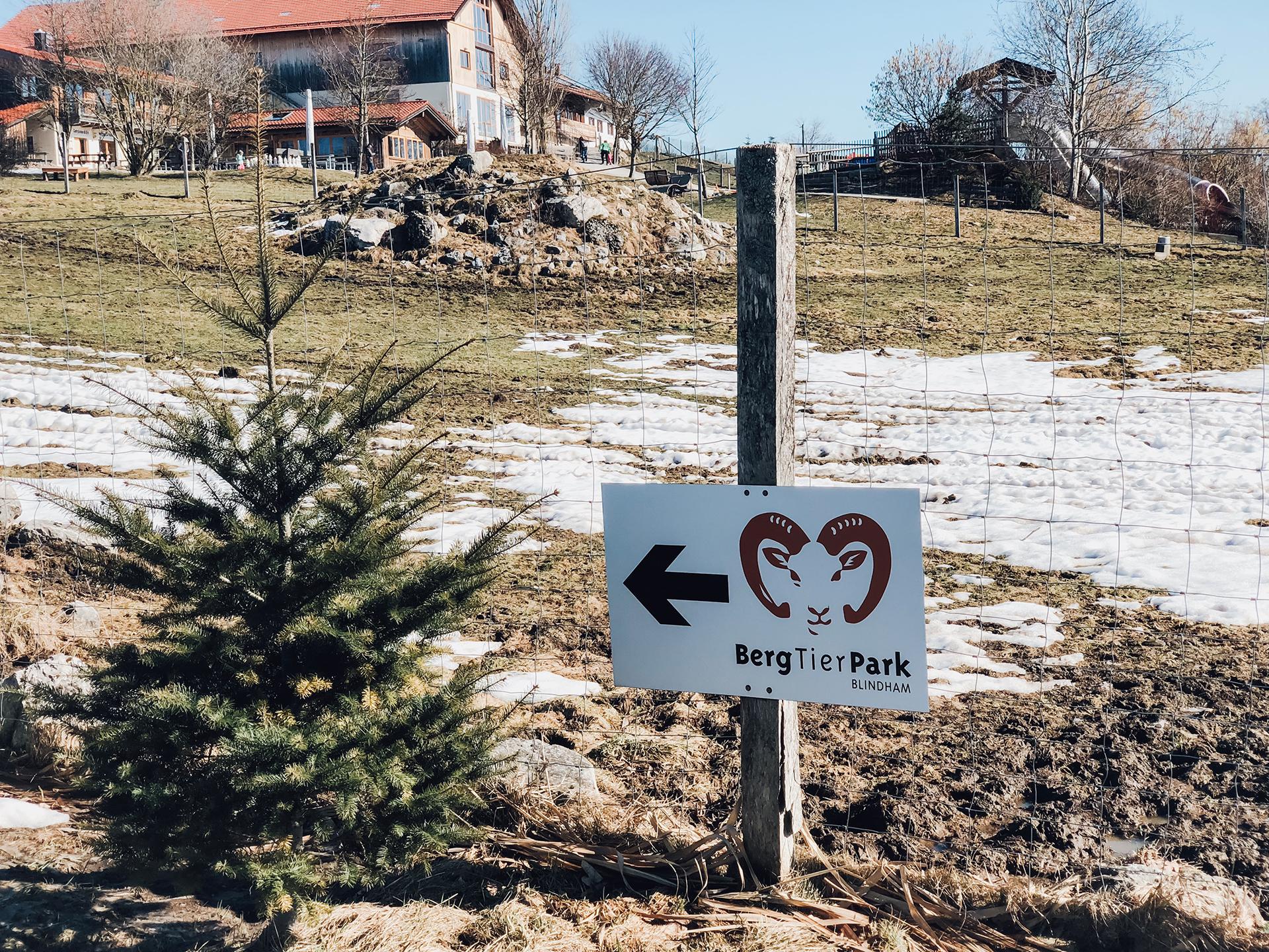 Bergtierpark Blindham in Aying bei München - Streichelzoo, Indoor- und Outdoorspielplätze und Naturerlebnispfad Mama Blog München 3