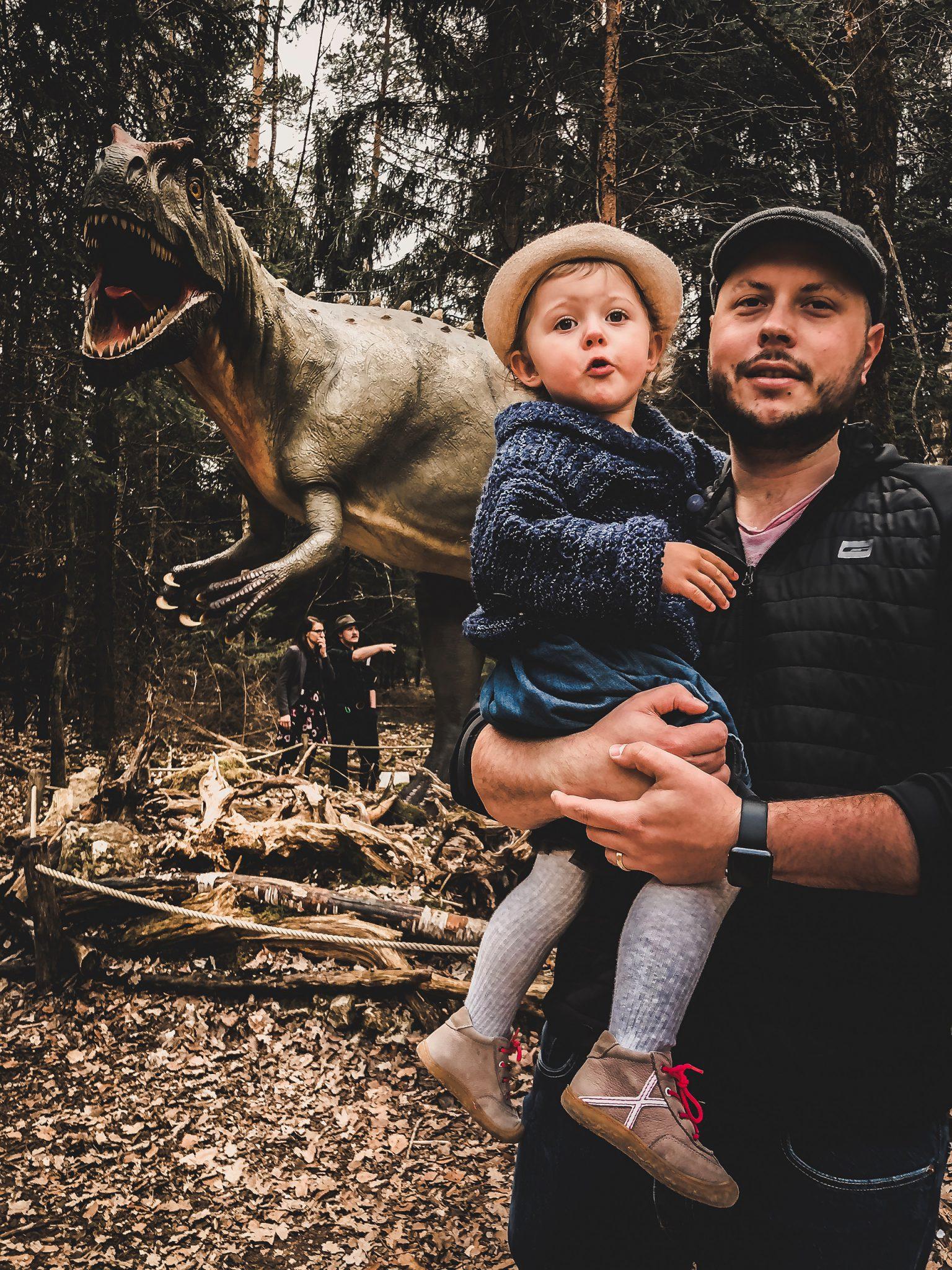 Dinosaurier Park im Altmühltal - Parkgelände mit Urzeittieren, Spielplatz, Skelette ausgraben und Shop - Mama Blog München 10