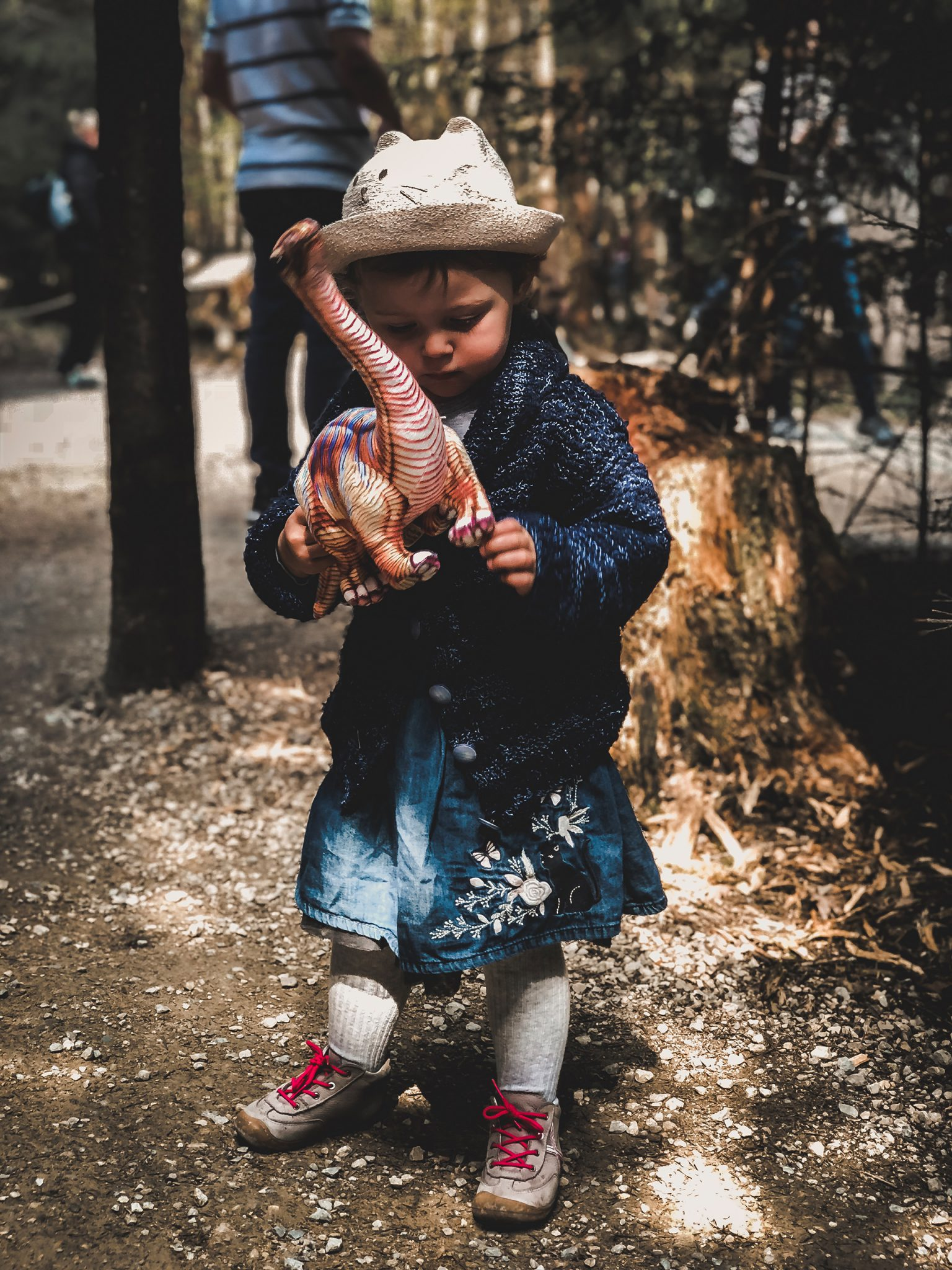 Dinosaurier Park im Altmühltal - Parkgelände mit Urzeittieren, Spielplatz, Skelette ausgraben und Shop - Mama Blog München 4